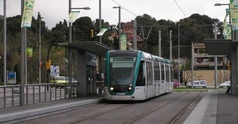 Trambaix pont d 39 esplugues parada trambaix linea t1 t2 y - Aticos en esplugues de llobregat ...